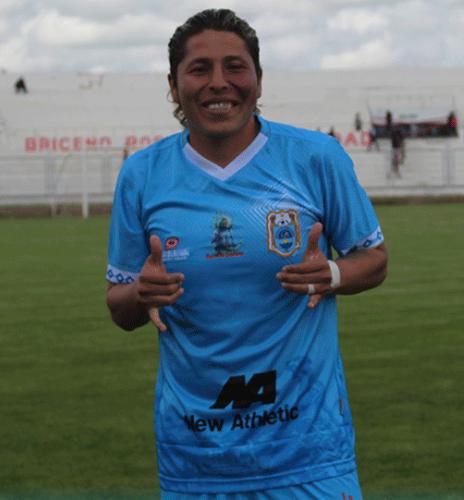 El curioso boliviano Adrián apenas jugó 13 minutos y fue campeón nacional. (Foto: Prensa Binacional)