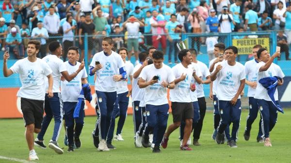 Cristal fue bicampeón de Reserva y dio la vuelta ante su gente a una fecha del final. (Foto: Fabricio Escate / DeChalaca.com)