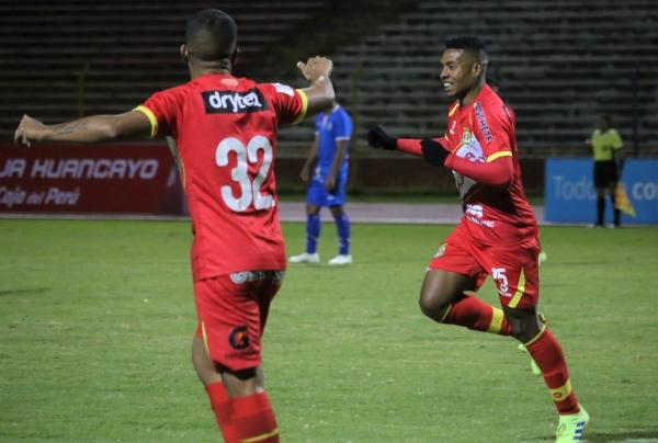 Bazán enmendó taras de su juego y ofreció una de sus mejores temporadas. (Foto: Juan Aquino / DeChalaca.com)