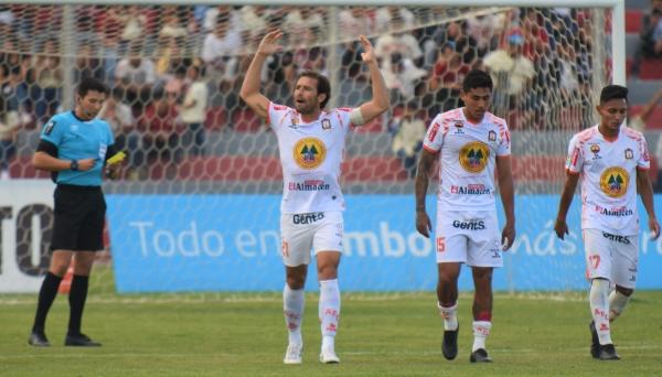 Montes hizo delirar a Ayacucho 15 veces en el año. (Foto: Álex Melgarejo / DeChalaca.com)