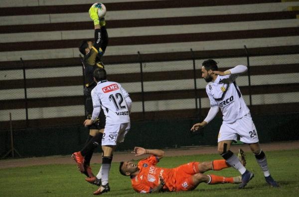 Goleador en San Martín, Municipal y Boys, Velasco no tuvo la misma suerte en Vallejo. (Foto: Fabricio Escate / DeChalaca.com)