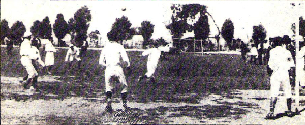 Mientras se disputaba la Liga Peruana de Football, habían dos entidades que tenían la idea de manejar las riendas del fútbol peruano. (Foto: Historia del Fútbol Peruano, Reco Borodi)