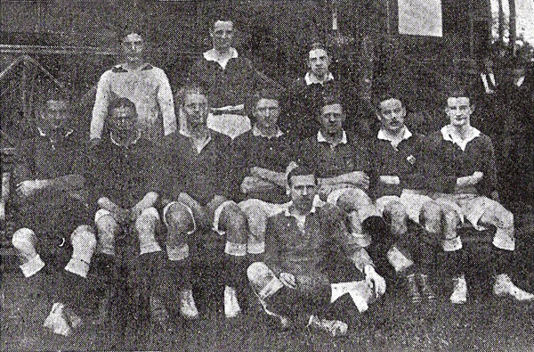 Equipo del Lima Cricket en el que figura la mayoría de integrantes del equipo campeón de 1912. (Foto: libro 'El Fútbol Asociado', Alberto Cajas)