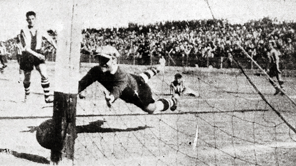 El poste salva el arco de Alianza luego de un remate de Díaz, jugador del Chalaco que obligó al 'Mago' Valdivieso a exigirse (Recorte: diario El Comercio)