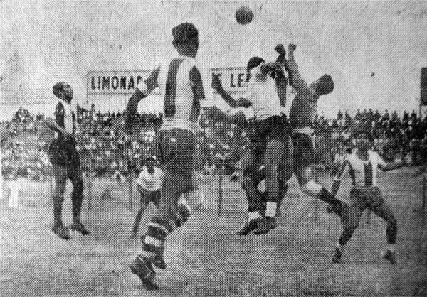 La mayor virtud del 'Tanque de Casma' fue el juego aéreo, tal como lo demostró ante Alianza Lima (Recorte: diario El Comercio)