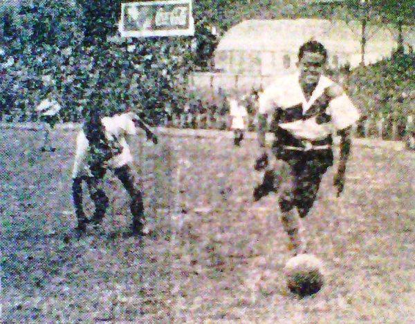 La prensa especializada de 1947 coincidió en que Municipal no corrió todo lo que debió en este partido ante Tabaco. (Recorte: diario La Crónica)