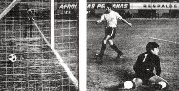 Manue Mayorga va en busca del balón luego del primer gol del Arica, obra de Carlos Urrunaga sobre la valla del arquero Ponce de Centro Iqueño (Recorte: diario La Crónica)