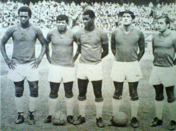 Quinteto aurichista que saltó al estadio Nacional y fue clave en el triunfo ante Alianza: Charún, Merino, Reyes, Orbegozo y Schabauer (Recorte: diario La Crónica)