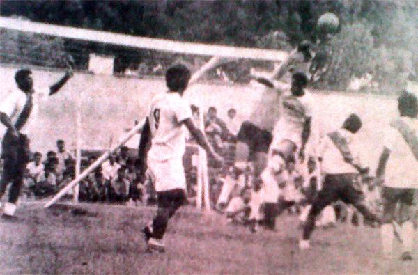 Gálvez tuvo su primera aparición en la máxima categoría durante la temporada 1971, pero nunca fue estable (Recorte: diario La Crónica)