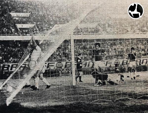 Romero anota para Melgar y empareja el encuentro de manera parcial ante Defensor Lima. Un poco de emoción en la definición. (Recorte: diario La Crónica)