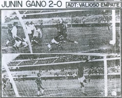 Escenas de los goles con que Deportivo Junín venció 2-0 a CNI en Huancayo por el Descentralizado 1981 (Recorte: diario Correo de Huancayo)