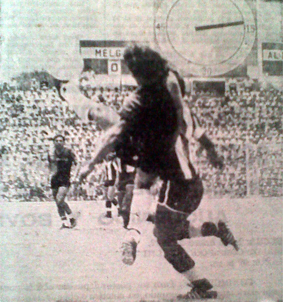 La presión de Melgar en los primeros minutos sorprendió a Alianza que no pudo hacer mucho y se fue al descanso con dos goles en contra. (Foto: Recorte: diario Correo Arequipa)