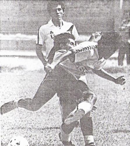 La Joya de Chancay, uno de los equipos que difícilmente habría llegado a Primera sin regionales, enfrentando a Boys en Villa María del Triunfo en 1987.  Posteriormente, vendería su categoría al Meteor Sport Club de Jorge Mufarech (Recorte: diario El Comercio, suplemento Deporte Total)