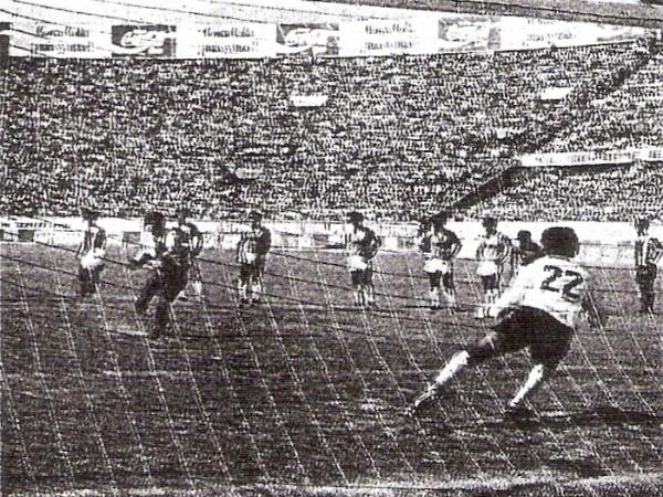 Cristal tuvo un mal inicio en la Liguilla al caer contra Alianza Atlético, aunque luego se recuperó (Recorte: diario El Comercio, suplemento Deporte Total)