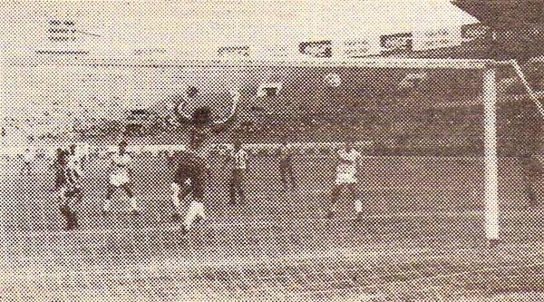 En 1989, año de su segundo título nacional, Huaral se impuso 0-2 a Cristal. (Recorte: revista Todo Fútbol)