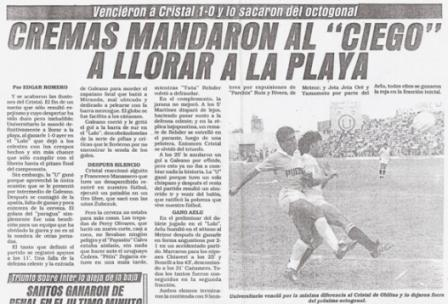 Titular y nota del diario Ojo sobre el partido que la 'U' le ganó a Cristal en el Lolo Fernández en 1990, con Oblitas en el banco celeste (Recorte: diario Ojo, 06/12/90 p. 11)