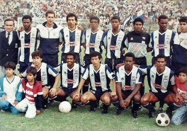 Con Alianza en 1991, en un amistoso contra la Universidad Católica por los 90 años del club. (Foto: Facebook)