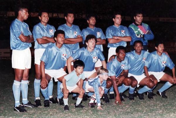 Una formación de Sporting Cristal en 1991. Roberto Palacios, el último de los hincados, se ganó rápidamente un puesto entre los titulares pese a su juventud (Foto: Facebook)