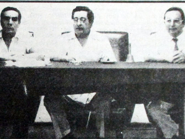 Comitiva de la ADFP comandada por Augusto Moral  (Recorte: diario La Crónica)