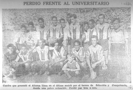 La imagen mostrada corresponde al once blanquiazul que sucumbió ante los cremas; las críticas al equipo victoriano fueron duras (Recorte: La Prensa, 04/12/45 p.12