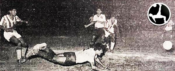 Boys celebró el campeonato de 1958 derrotando ni más ni menos que a Atlético Chalaco. (Recorte: diario La Crónica)
