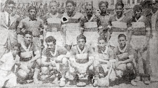 El equipo de Telmo Carbajo, campeón de la Segunda División 1943. (Recorte: diario La Crónica)