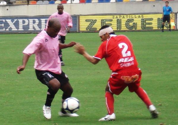 La edad fue lo de menos para Waldir Sáenz con Boys ya que con los rosados destacó nítidamente (Foto: Archivo DeChalaca.com)