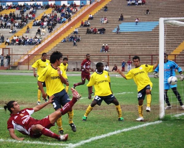 FECHA 8. Importante victoria a domicilio sobre San Marcos, estrenando camiseta amarilla como uniforme alterno (Foto: Wagner Quiroz / DeChalaca.com)