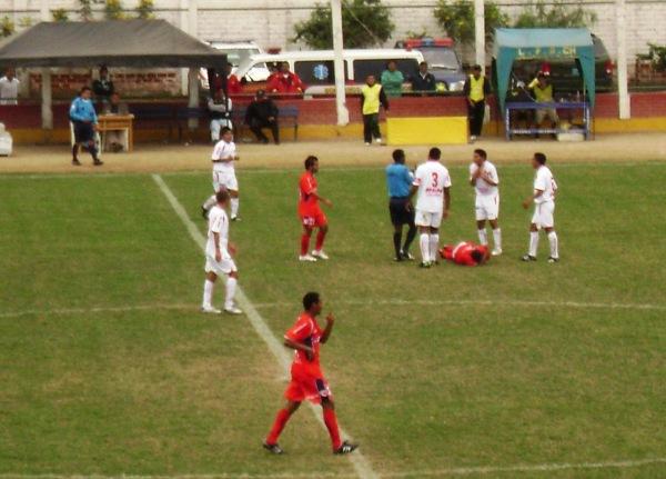 FECHA 11. Joya veía la roja ante Coopsol en Chancay y asentaba la catástrofe: seis derrotas consecutivas (Foto: Georgina Carlos / Radio Líder Chancay)
