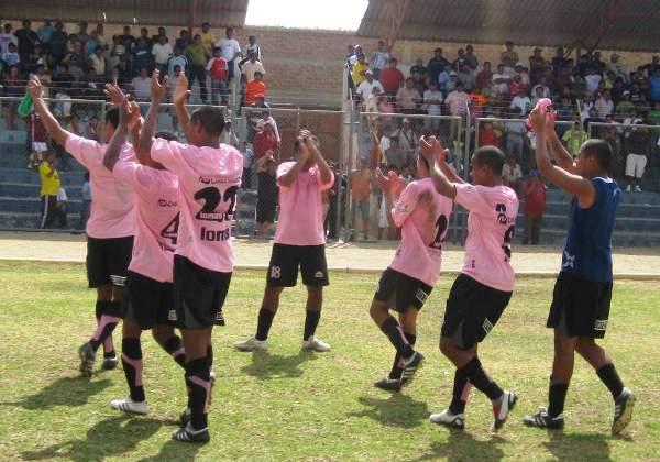 PALMAS PARA MÍ. Sport Boys se reivindicó de su magro empate de la jornada anterior y se insertó nuevamente a la pelea por el ascenso (Foto: diario La Hora de Piura)