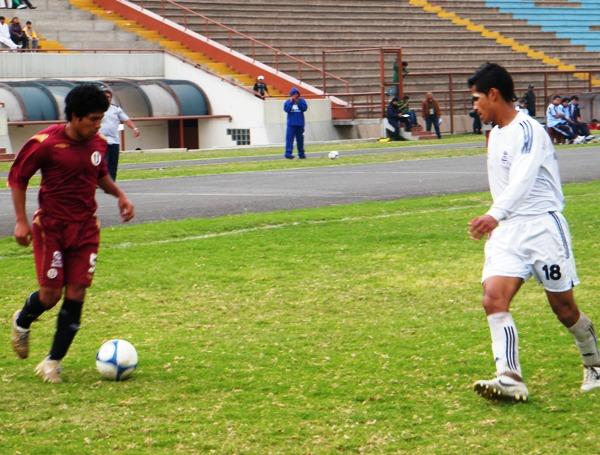 LE CAMBIÓ LA CARA. El ingreso de Willian Mimbela resultó trascendental para la recuperación de Cochahuayco en la etapa complementaria (Foto: Wagner Quiroz / DeChalaca.com)