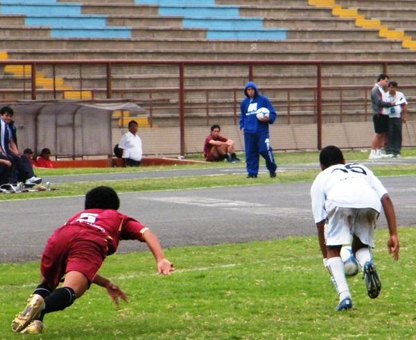 SE CAYÓ INESPERADAMENTE. En los últimos 20', Cochahuayco logró -increíblemente- llegar al empate, y de esta manera, condenar al descenso al elenco académico (Foto: Wagner Quiroz / DeChalaca.com)