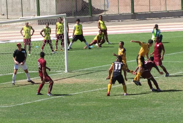 AMÉRICA AL DESCUBIERTO. Problemas tanto defensivos como ofensivos dejan al Cochahuayco en el penúltimo puesto (Foto: Roice Zeballos)