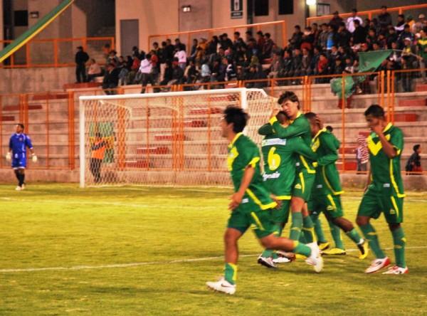 LLEGÓ Y MARCÓ. En su debut con la casaquilla de Sport Ancash, Lenci se estrenó como goleador al marcar el segundo tanto de su equipo. (Foto: Miguel Guimaray)