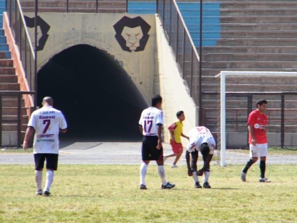 FINAL POR AHORA. El pitazo de López dejó satisfechos solo a los de casa, que suman sus tres primeros puntos. (Foto: Wagner Quiroz /DeChalaca.com)