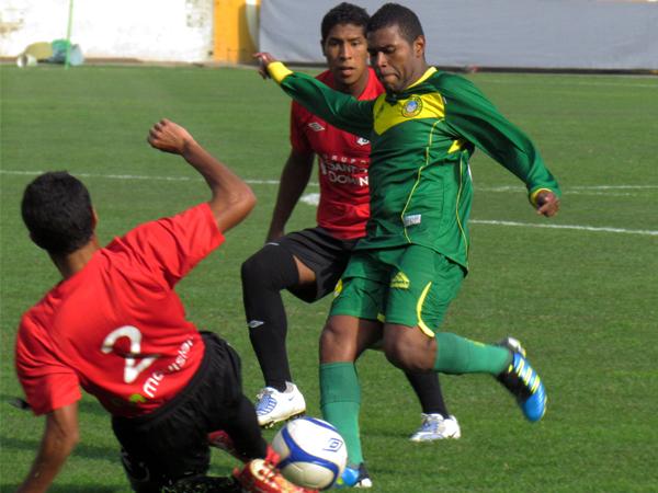 Alguedas militó en el 2011 en el Sport Áncash y peleó con su equipo durante gran parte del año la posibilidad de acceder a Primera División (Foto: José Salcedo / DeChalaca.com).