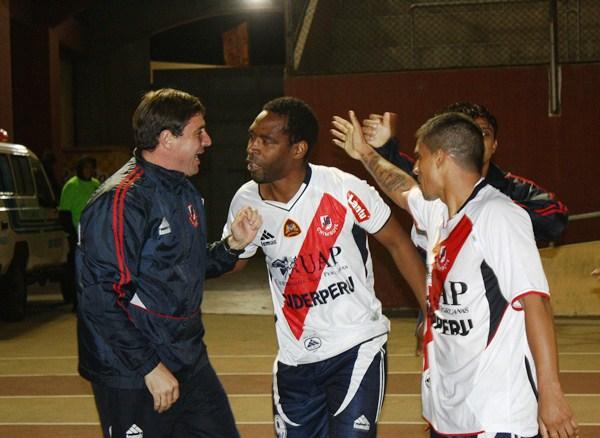 FECHA 14. Juan Luna estaba desesperado por entrar. Finalmente, Gálvez derrotó por 1-0 a Áncash en Chimbote. (Foto: Diario de Chimbote)
