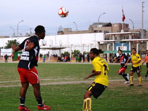 MEDIA LUNA. Un histórico del Ascenso, Juan Luna, tuvo 45 minutos para mostrarse y anotó el empate de Gálvez. (Foto: Radio Líder de Chancay)