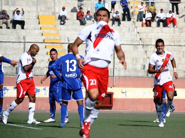 Ricardo Ronceros sumó experiencia y un título cuando pasó por Gálvez en la Segunda División de 2011 (oto: Diario de Chimbote)