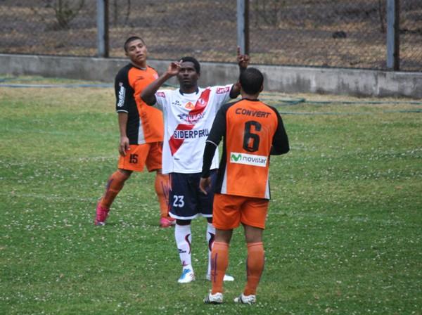 TIENE GOL. Magallanes ingresó en el complemento y se hizo presente en el marcador. El 'Maga' puso el 1-3 definitivo. (Foto: Diario de Chimbote )