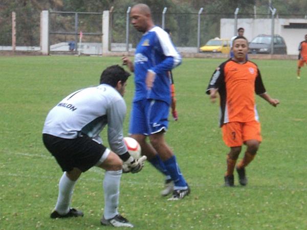 NO PASAN APURO. Sanguinetti y Venegas lucieron muy coordinados. No le dieron ninguna ventaja a Arias. (Foto: Aldo Ramírez / DeChalaca.com)