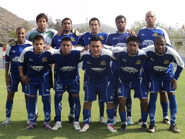 POR DIVERSIÒN. Alianza Unicachi no peleaba por nada, pero demostró bastante actitud dentro del campo. (Aldo Ramírez / DeChalaca.com)