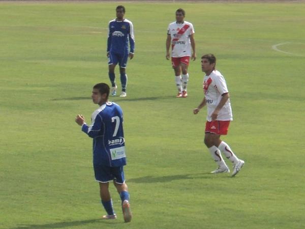 VIEJO ZORRO. Víctor Oviedo se quedó en Chimbote y consiguió volver a Primera con la franja norteña. (Aldo Ramírez / DeChalaca.com)