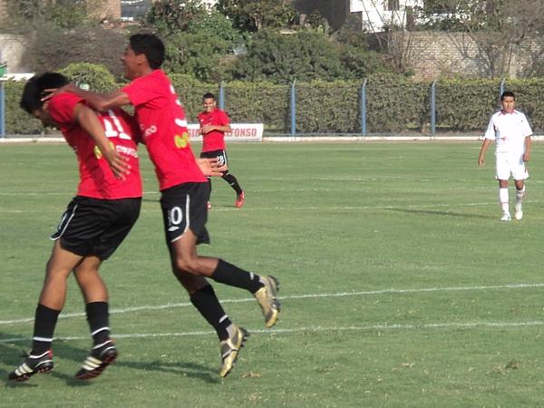 SE SALIÓ DEL CUADRO. Cuadros le permitió a la U de América rescatar un empate tras marcar dos goles en la etapa complementaria. (Foto: Aldo Ramírez / DeChalaca.com)