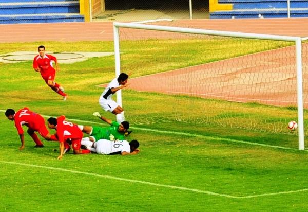 LOS MADRUGARON.  Rojas puso el 2-1 a favor del cuadro tacneño a los dos minutos del segundo tiempo. (Foto: Radio Uno de Tacna)
