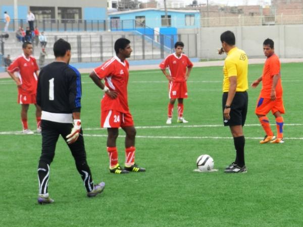 Hijos de Acosvinchos fue el primero en dejar una Segunda División golpeada por la informalidad de algunos equipos (Foto: Paul Arrese / DeChalaca.com)