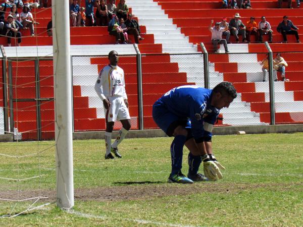 LA CLAVE. Cuando el encuentro parecía estar parejo de nuevo en la segunda etapa de juego, Minero mató a Torino en los momentos precisos y se llevó un buen triunfo. (Foto: José Salcedo / DeChalaca.com)