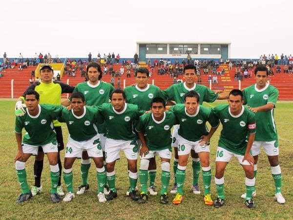 EL CAPO. Diego Bustamante nuevamente destacó en su equipo y se lo puso al hombro. (Foto: Radio Líder de Chancay)