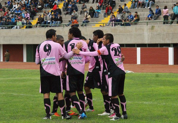 EL CAPO. Juan Montegro fue el goleador y el conductor en la goleada de Pacífico ante Bolognesi. (Foto: Luis Chacón / DeChalaca.com)