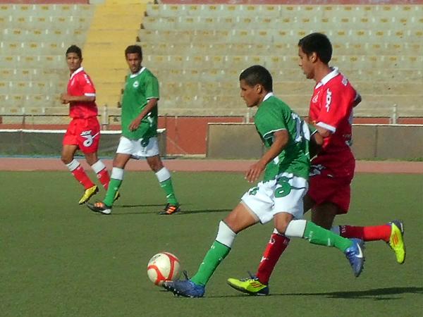 Los etenanos llevaron por delante el partido desde el inicio ante un cuadro tacneño que no tuvo cómo remontar el marcador (Foto: diario La Industria de Chiclayo)